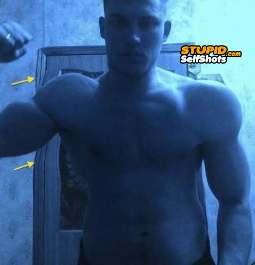 Horribly photoshopped muscles, self shot fail