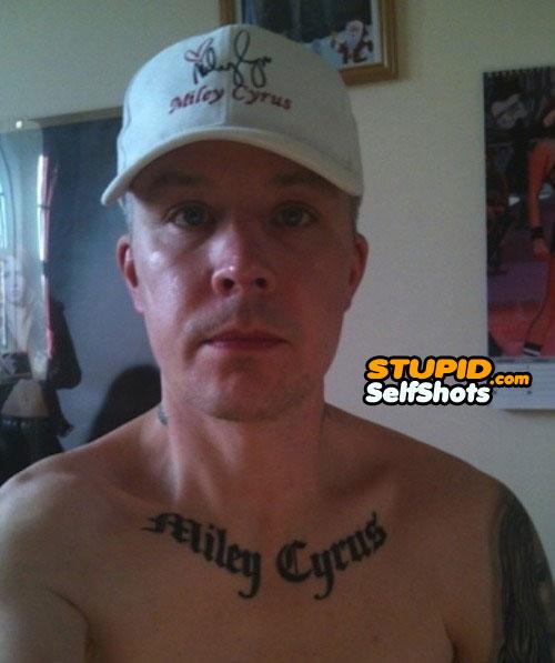 Miley Cyrus tattoo, self shot fail