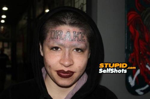 Drake forehead tattoo, selfie fail