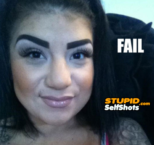She only had a big marker, eyebrows selfie fail